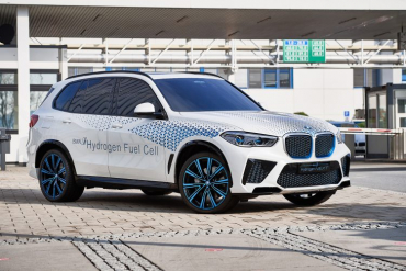 The first BMW hydrogen models will arrive next year